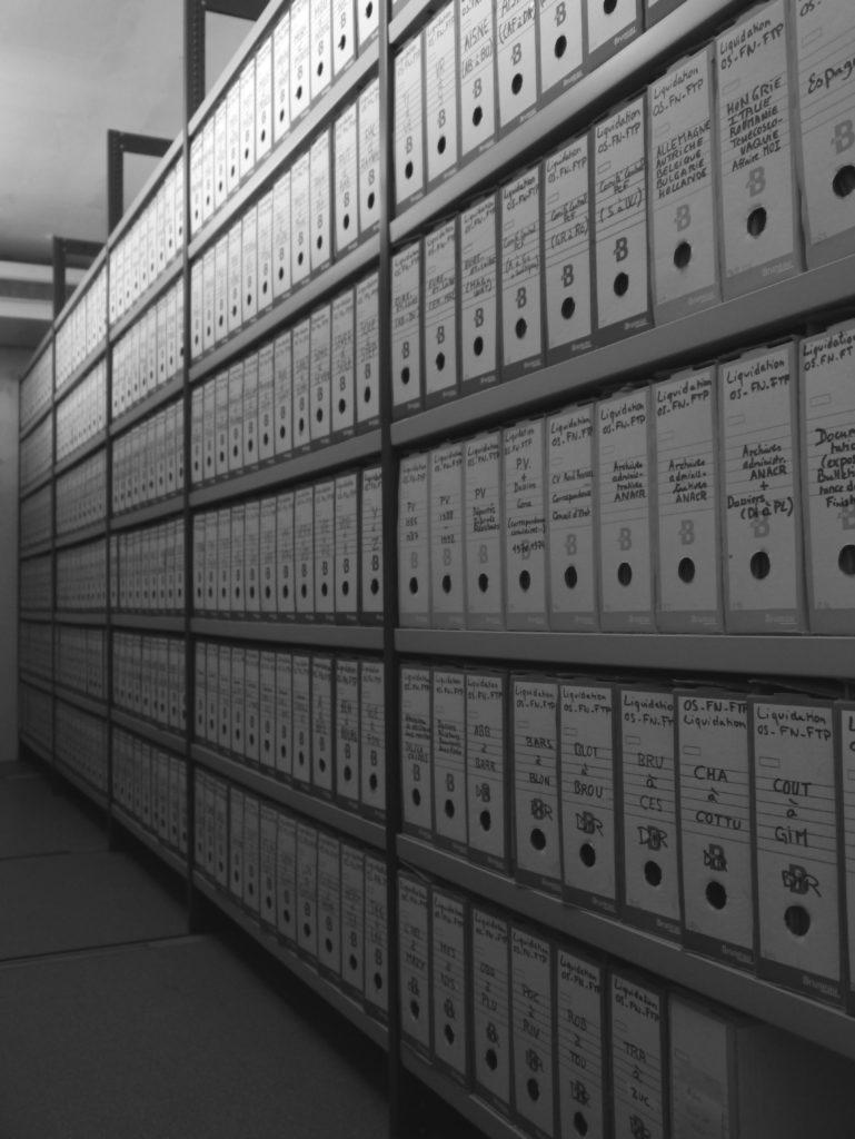 Musée de la Résistance nationale : magasins du Centre de conservation et de consultation Jean-Louis Crémieux-Brilhac ©MRN/A.Demersseman