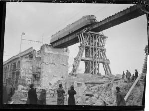 Reconstruction, hiver 1944. Coll. MRN –  fonds dit du Matin.
