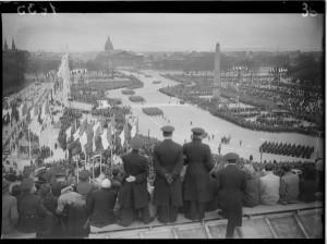 Fête de la Libération, avril 1945. Coll. MRN –  fonds dit du Matin.